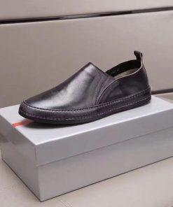حذاء برادا رجالي أسود