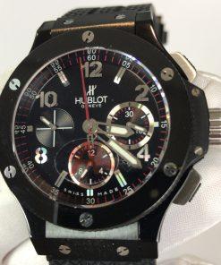 تقليد ساعة هوبلت بإطار أسود وأرضية بلون أسود للرجال مقاس 44