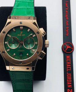 تقليد ساعة هوبلت Hublot بإطار أخضر وأرضية بلون اخضر للرجال مقاس 45